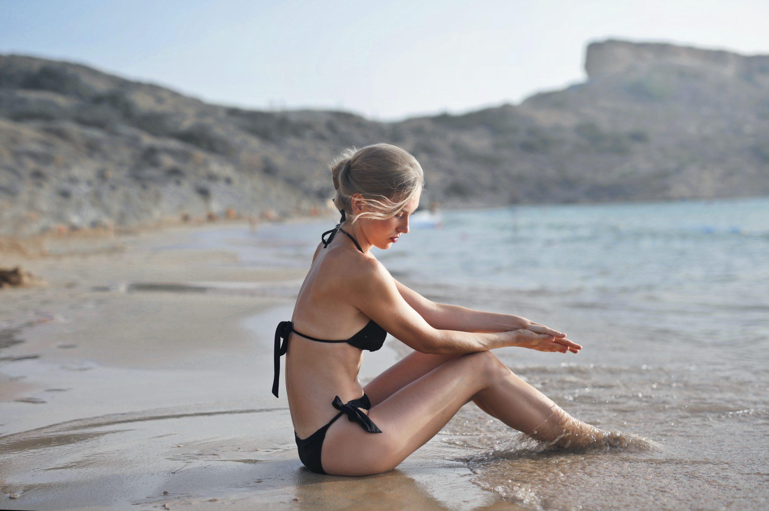 Jak wyrównać i przedłużyć opaleniznę, by nadal cieszyć się słonecznym odcieniem skóry?